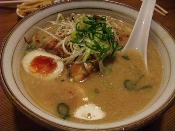 ***FOOD FOOD FOOD |「去大阪洗咩食一蘭?!」大阪駅內的飲食街梅田一番街裡面