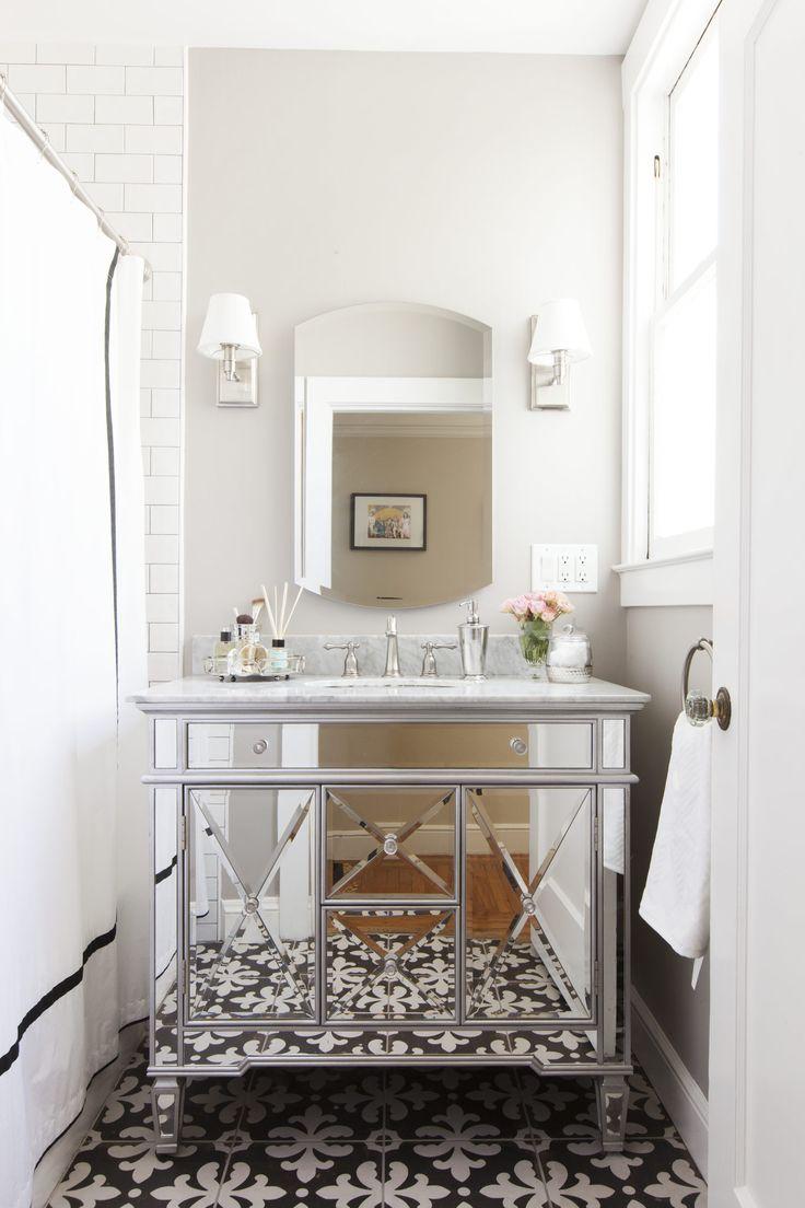 Contemporary condo bath modern bathroom chicago by jill jordan - Cooking Up A Family Style Kitchen Small Bathsbathroom