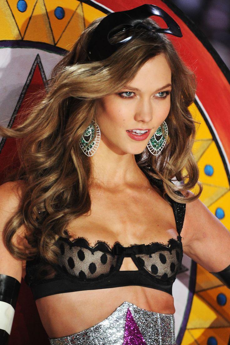 Karlie Kloss - Victoria's Secret Fashion Show - HQCelebrity.Org // HQ Celebrity Pictures