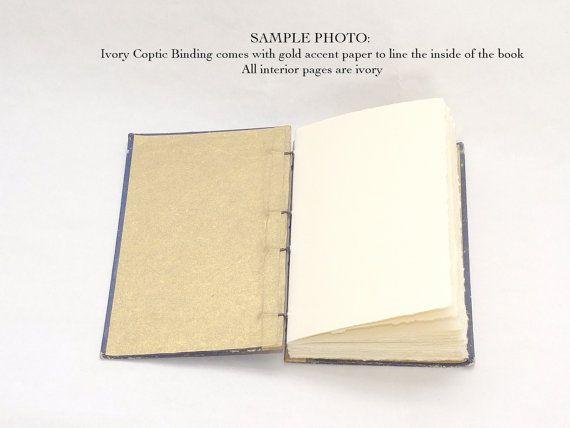 Spellbinderie worden mooie oude boeken met nieuw papier maken unieke gastenboeken en tijdschriften voor alle gelegenheden. Elk notitieboek is made-to-order en bevat opties voor het personaliseren van uw boek zodat u om het perfecte aandenken voor uw dierbare herinneringen. Om te bestellen, kies een boek uit mijn winkel of contact met mij opnemen met uw verzoek voor een bepaalde kleur of stijl.  ALLE Foto S ZIJN MONSTERS FOR REFERENCE ONLY, gemaakt voor andere clients. Er zijn geen…