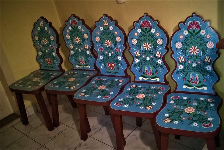 Kabalás székek (8 gonosz miből 5 van jelen :) )