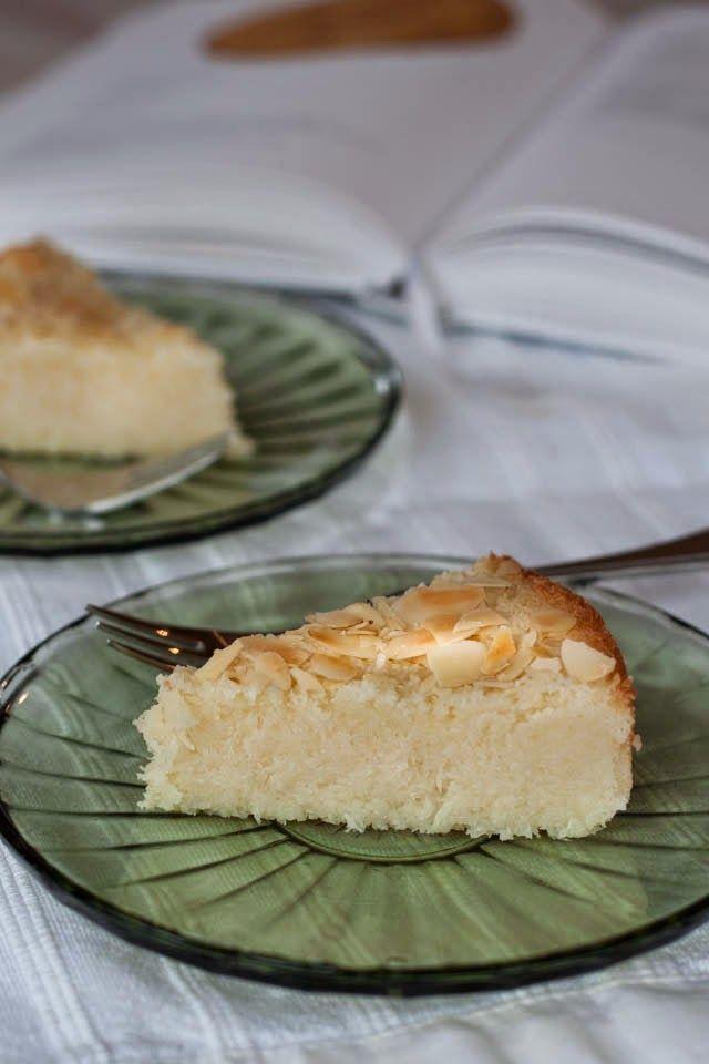 Kokos, je houdt ervan of niet, wij vinden het heerlijk.Ik weet dat mijn vader het ook graag lust dus dit taartje is echt iets voor hem. Vorige week zouden ze om een koppie komen, op de fiets dus dan l