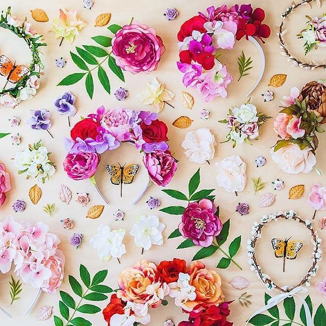 Behind the scenes of a @kisforkani photoshoot? Or a perfect floral explosion? You decide. #DifferenceMakesUs 🌿🌸🌼 @EtsyAU