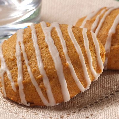 old-fashioned soft pumpkin cookies (I found a van of pumpkin pie filling in the back of my cupboard)