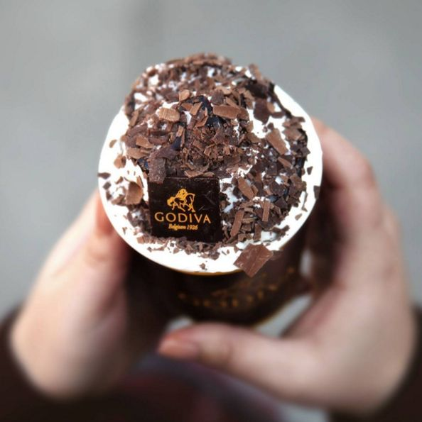 Winter is officially overstaying it's welcome in London, on the upside that's the perfect excuse to warm up with a Chocolixir, the ULTIMATE hot chocolate