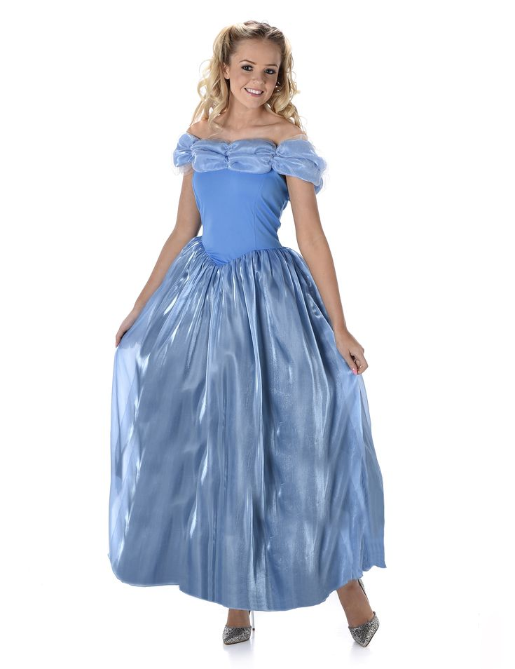 Disfraz de princesa de medianoche mujer: Este disfraz de princesa para mujer es un vestido (zapatos no incluidos).El vestido es azul con aspecto de hada.La parte superior es ajustada con cuello de tul brillante.El bajo del vestido es...