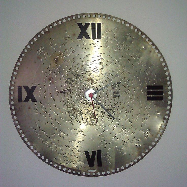 Hodiny - orchestrion2 nástenné hodiny priemer 40 cm (originálna orchestrionová kovová platňa)