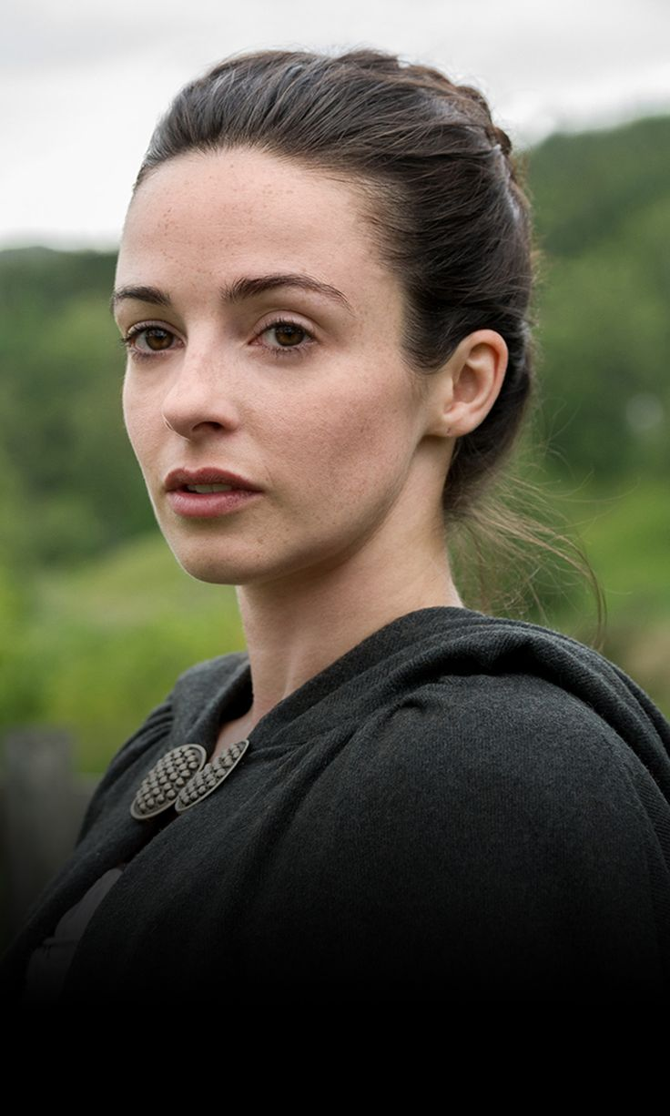 Jenny Fraser Murray played by Laura Donnelly Season 1B cast still