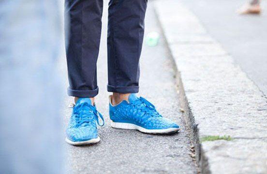 Speciální pánské běžecké boty šetří Vaše klouby, tlumí dopady a perfektně sedí na noze. Silniční běžecké botyvyužijete na asfaltu či zpevněných cestách. Univerzální obuvlze použít na běh po nejrůznějším povrchu i další pohybové aktivity. Běžecké boty od Salomon za 1934 Kč.