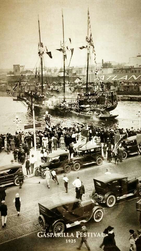 would so frame this in my home! love it! Gasparilla 1925