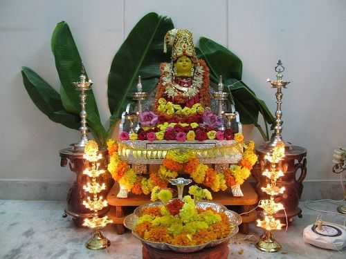 Best 20 diwali pooja ideas on pinterest diwali rangoli for Aarti thali decoration with grains