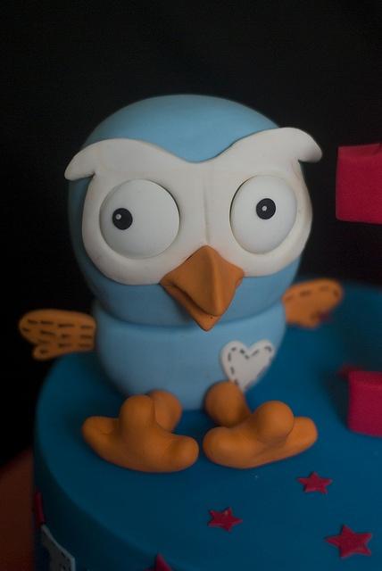 Giggle and Hoot Birthday Cake
