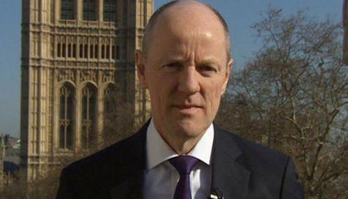 ब्रिटिश मंत्री करेंगा समलैंगिक से शादी