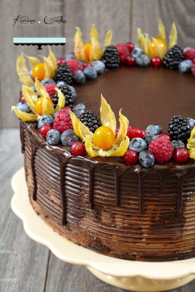 Čokoládová torta s ovocím - Chocolate Cake and Fruits