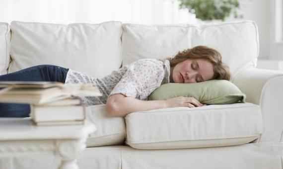 Fa bene un sonnellino dopo pranzo? Fare un sennellino dopo aver pranzato secondo alcuni studi portati avanti presso la Johns Hopkins U sonnellino pisolino