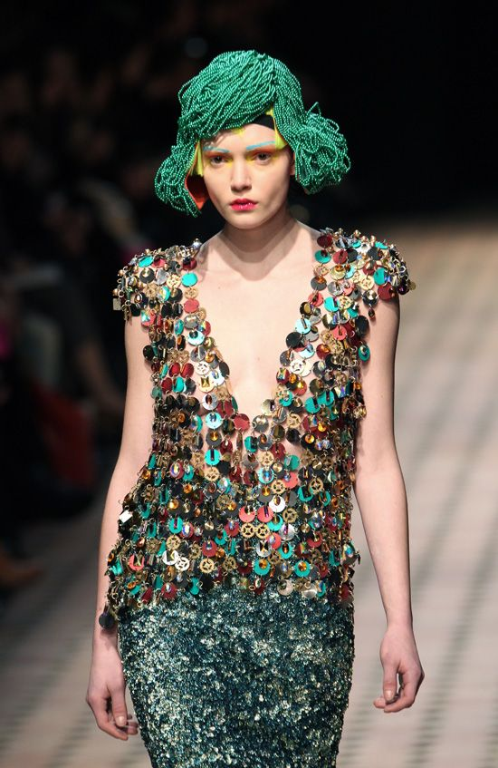 Manish Aroras AMAZING Wigs At Paris Fashion Week (PHOTOS)