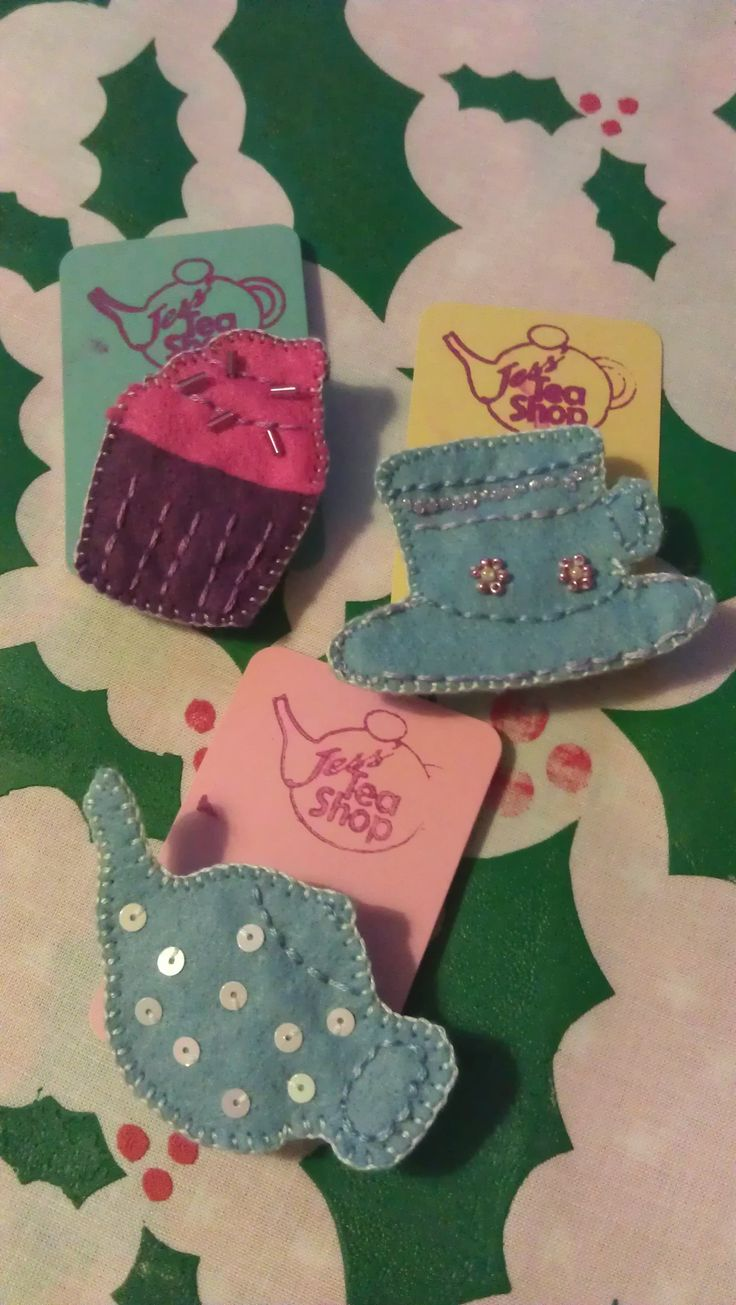 tea time brooches