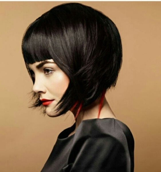 elizabethan era hairstyles : Edgy bob. Love the piecey pops of color: Bobs Haircuts, Blunt Bangs ...