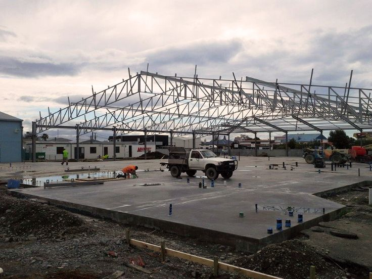 The concrete slab has been poured and the steel is going up at the Club Hastings site! Club Hastings combines Hastings RSA, Bowls Heretaunga, Hibernian Club and Heretaunga Club. Construction is well under way and the project is due to be completed early 2016