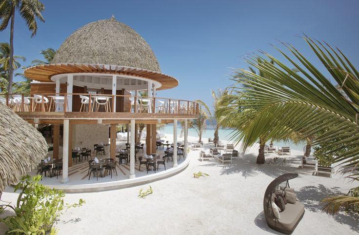 В отеле Kandolhu Maldives выпущена первая поваренная книга курорта «HIHsaaKURUN»