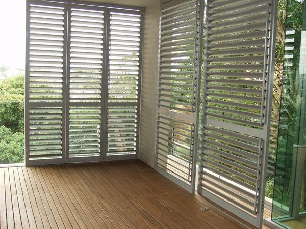 Sliding aluminium shutters