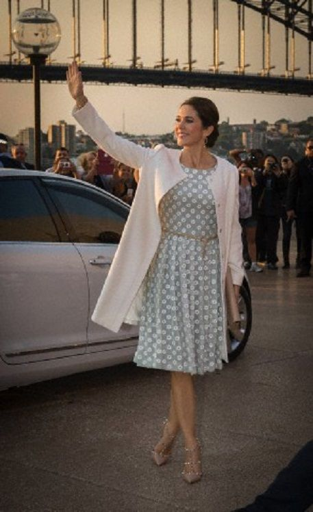 HRH Crown Princess Mary in Collette Dinnigan dress as she attends the official opening of 'Danish Design at the House' at the Sydney Opera House on 25.10.13.