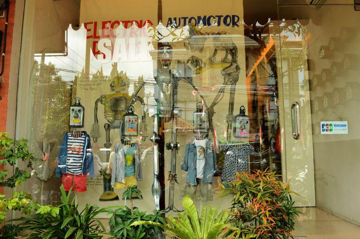 Ubud street shop