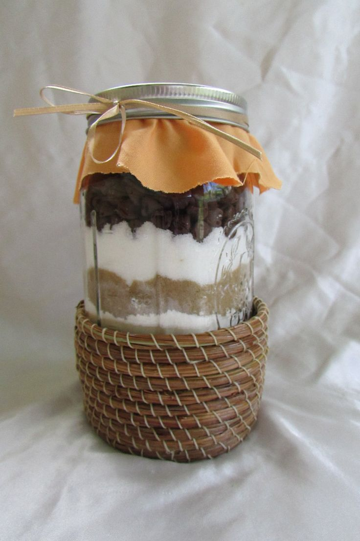 Pine Needle Gift Basket, Mason Jar, Pine Center, Perfect Gift, Natural Wax Linen Thread, Coated in Shellac, Made to order by KandApineneedlebskt on Etsy