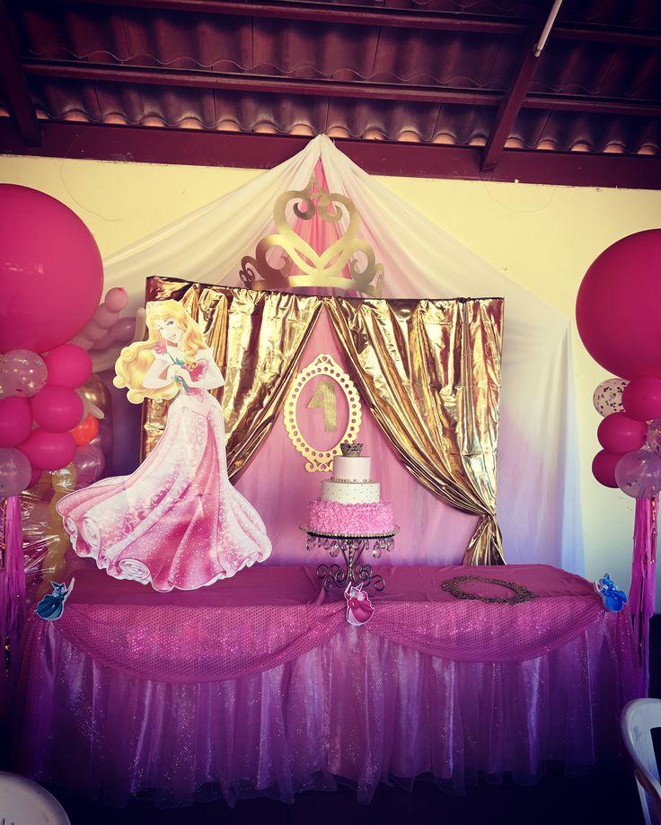 Mesa principal del cake Princess Aurora