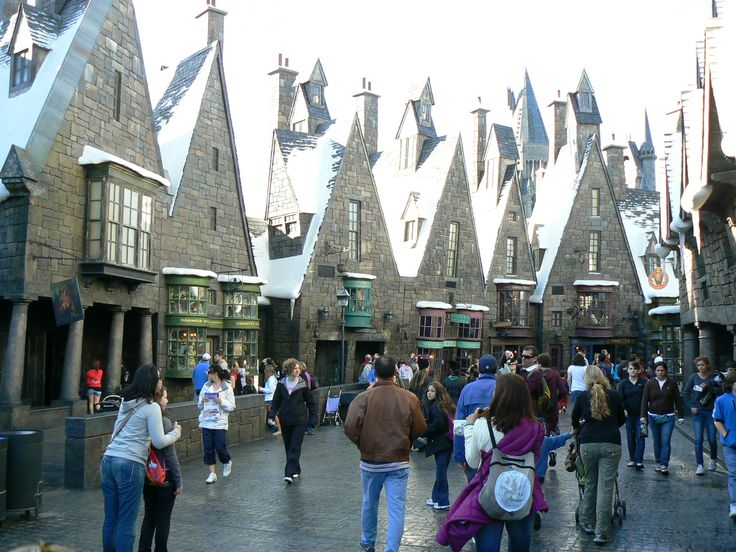 Must must must go to the Harry Potterness at Universal Studios