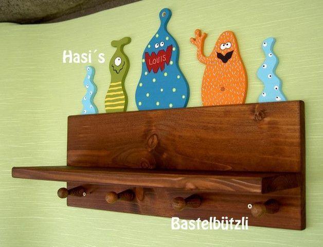 Garderoben - Kinder-Garderobe mit Ablage, mit Monstern, Holz - ein Designerstück von Hasis-Bastelbuetzli bei DaWanda