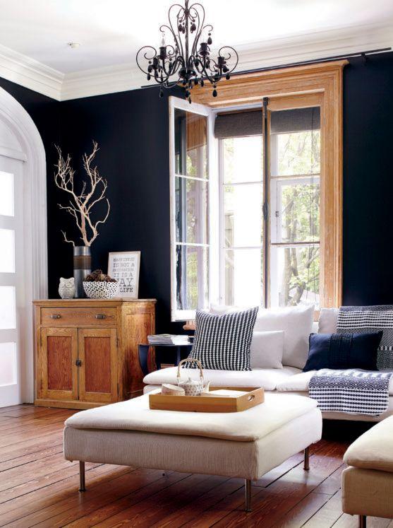 De plus en plus amoureux de l'association bois et bleu de minuit presque noir ! via Planete Deco