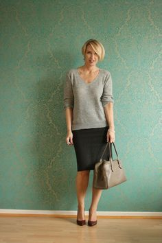 A fashion blog for women over 40 and mature women http://www.glamupyourlifestyle.com/