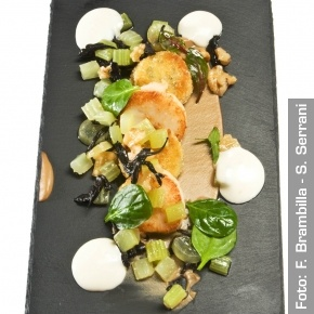 Capesante saltate, lumache dell'Herefordshire, Vacherin Mont d'Or. Chef MarcusEaves  http://www.identitagolose.it/sito/it/ricette.php?id_cat=12&id_art=986&nv_portata=23&nv_chef=&nv_chefid=&nv_congresso=&nv_key=&nv_pg=1