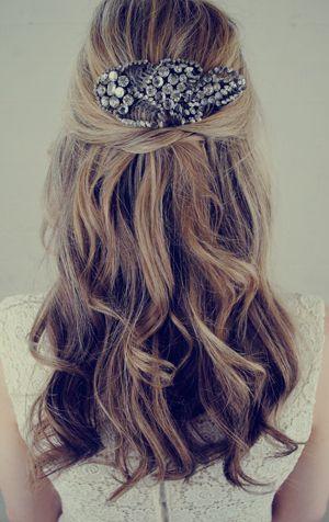 Jenny-Packham-Wedding-Hair-Accessory-ELLE-wedding