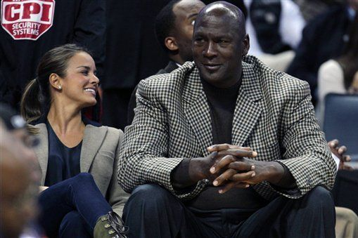 Michael Jordan's Wife Yvette Gives Birth to Twin Daughters
