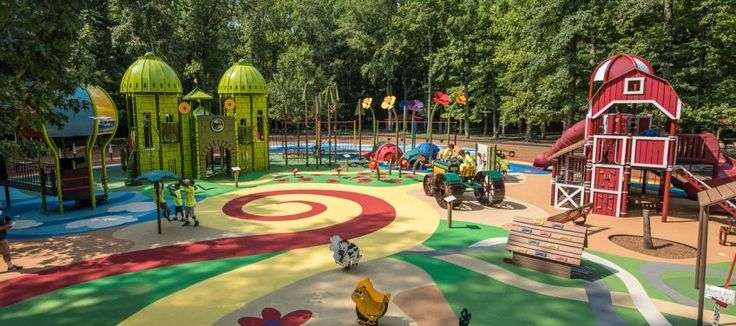 Travel to Oz, pet the animals or play a round at mini-golf at this popular local park.