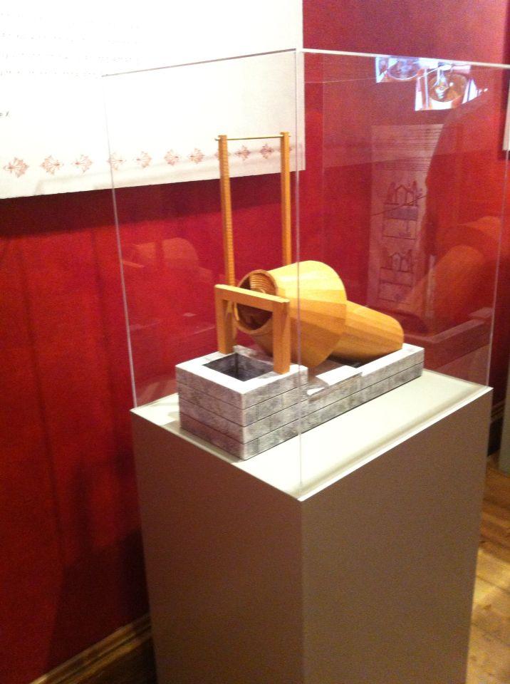 Όλα τα εκθέματα προέρχονται από το Μουσείο Αρχαίας Ελληνικής Τεχνολογίας, Κώστα Κοτσανά (www.kotsanas.com), που λειτουργεί στο Κατάκολο και στην Αρχαία Ολυμπία.