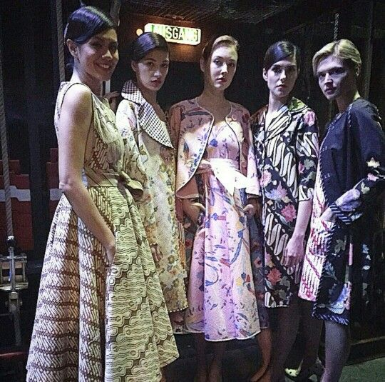 During fashion week for Edward Hutabarat collections. All adorbs! #batik #edwardhutabarat