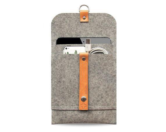 iPad mini case iPad mini cover pure grey wool felt, leather straps, very protectiv, front pocket, anti- static