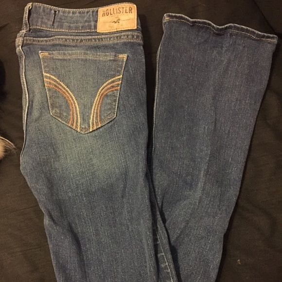Hollister boot cut pants Super cute! Only worn a handful of times! In great condition! Size 1 regular Hollister Jeans Boot Cut
