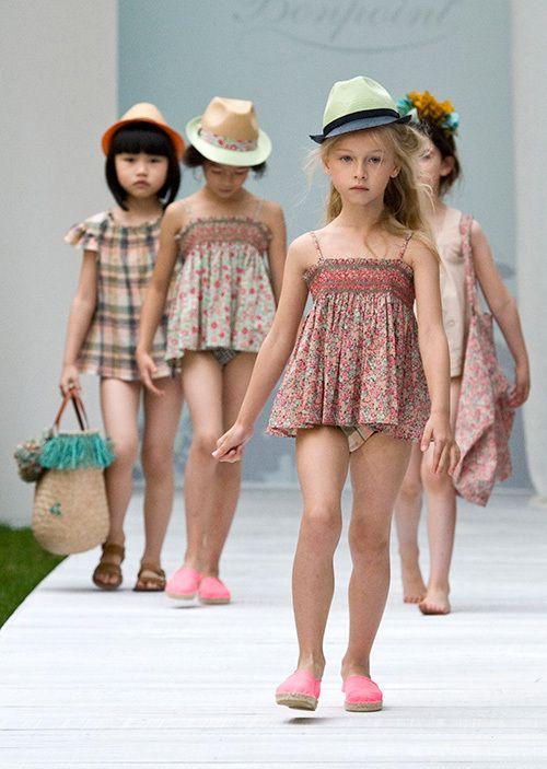 フランス発の老舗子供服ブランド、ボンポワン(Bonpoint)が2014年春夏コレクションを発表。ランウェイの主役はなんともキュートな子供たち。ロマンティックでスイートなコレクションをまとった子供たち...