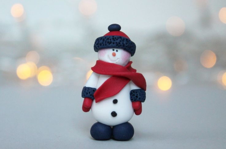 Snowman Brooch - Christmas Brooch - Christmas Gift - Secret Santa Gift - Fimo Jewellery - Handmade Brooch - Gift for Her by AntoniaCrafts on Etsy https://www.etsy.com/uk/listing/476555102/snowman-brooch-christmas-brooch