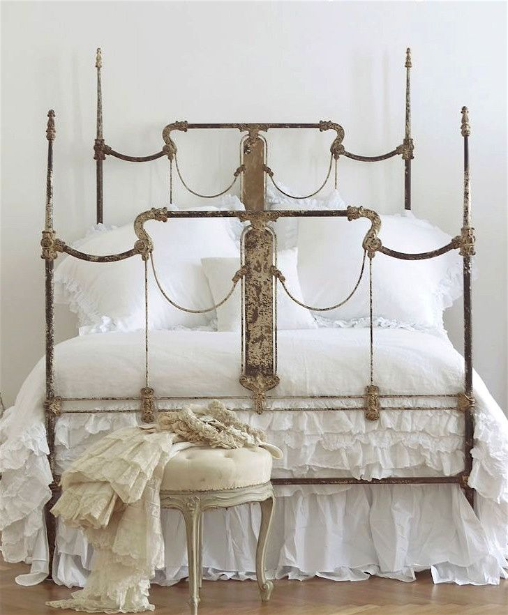 Great four poster w original distressed finish for Wrought iron four poster bed frames