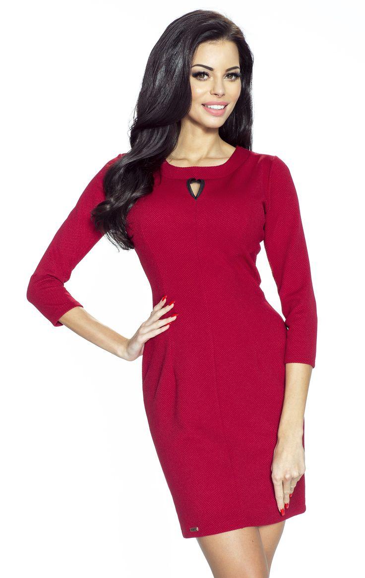Sukienka z pęknięciem w dekolcie Tera w kolorze bordo