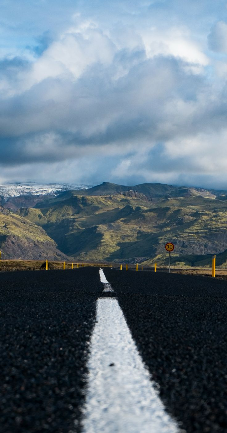 Just travel to Iceland! Road trip in Iceland. Travel inspiration, best travel photos, photos from Iceland. Iceland on a budget - where to stay and eat, useful tips to help you travel cheap plus great cost saving tip if you start in Reykjavik! | Worldering Around