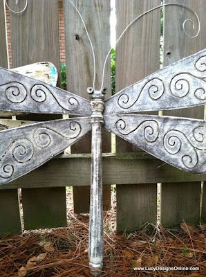 I love this Dragonfly made from table leg & wings made from fan blades.   Pascale De Groof via Dana Kinkade Brule onto DIY & Craft ideas - Miscellaneous
