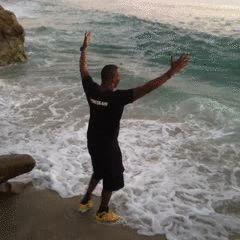 12 personas que tuvieron el peor día en la playa, ¡Que buen golpe se llevó el #7!