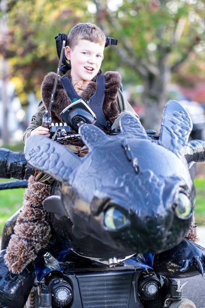 Picture of Wheelchair + Toothless = Epic Costume!