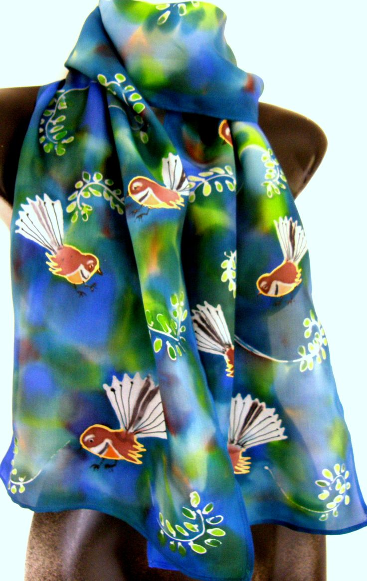 NZ Handmade Gifts Online www.satherleysilks.co.nz Spring is nearly here and already the birds are becoming very active. Fantails are always flitting about catching insects on the wing. Here is a scarf to remind you of their friendly and beautiful presence.